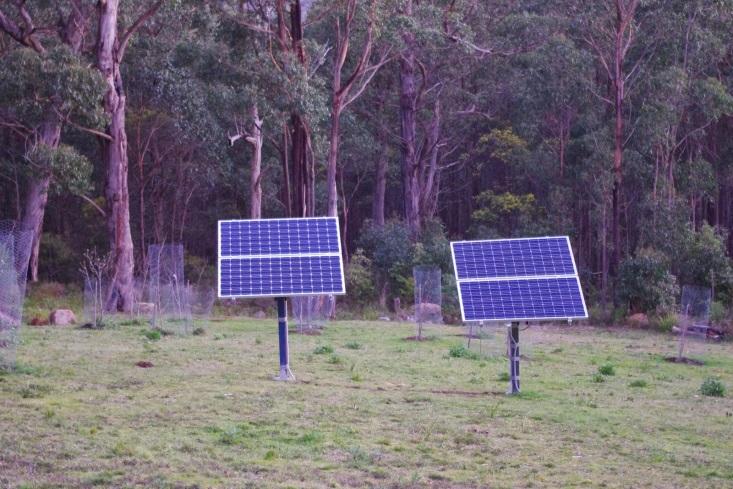 http://1.bp.blogspot.com/-zy_95cXR3m8/U99qbEu_8HI/AAAAAAAAANE/IEYOaIA2VxI/s1600/New+solar+panels+now+matching+the+existing.jpg