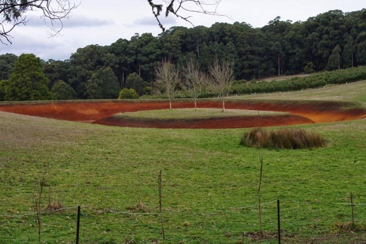 http://2.bp.blogspot.com/-lmbTHWzJt3Y/U8zqh5kXsbI/AAAAAAAAAKc/yustOSz6i04/s1600/Empty+dam.jpg