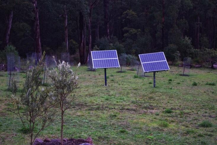 http://4.bp.blogspot.com/-VWaS69DkQg4/U9TWEbGW87I/AAAAAAAAALs/vYyuFBRciWw/s1600/New+solar+panels.jpg